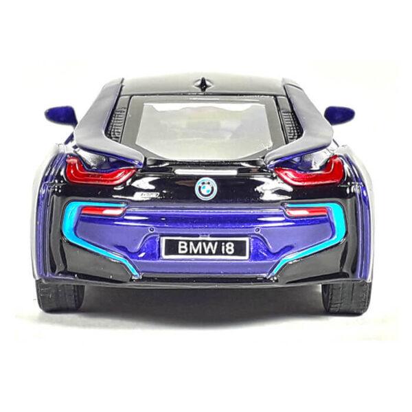 Модель автомобиля BMW i8